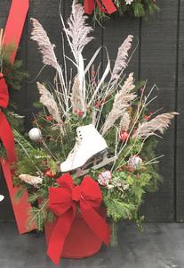 Fri Dec 4 2020 10am, Ice Skate Porch Pot, 201204101